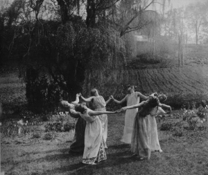 black-and-white-dance-nature-pegan-vintage-witches-favim-com-46861