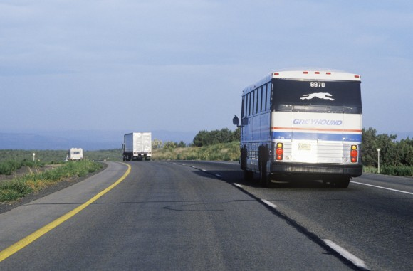 Greyhound-Bus-580x381