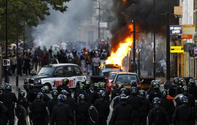 144661-london-riots