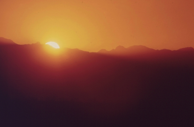 SUNRISE_OVER_THE_CHISOS_MOUNTAINS_-_NARA_-_545864
