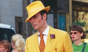 Bill Cunningham photograph of a stylish dresser in yellow