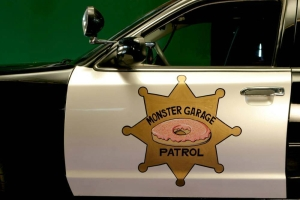 monster-garage-donut-cop-1998-ford-crown-vic-4